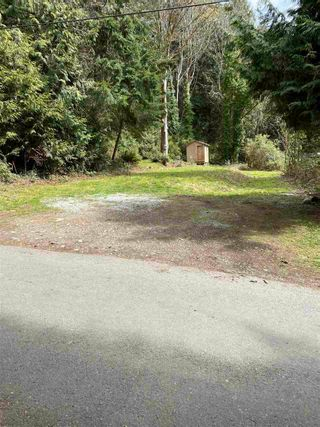 Photo 1: LOT 13 W METCALFE Road: Roberts Creek Land for sale (Sunshine Coast)  : MLS®# R2560240