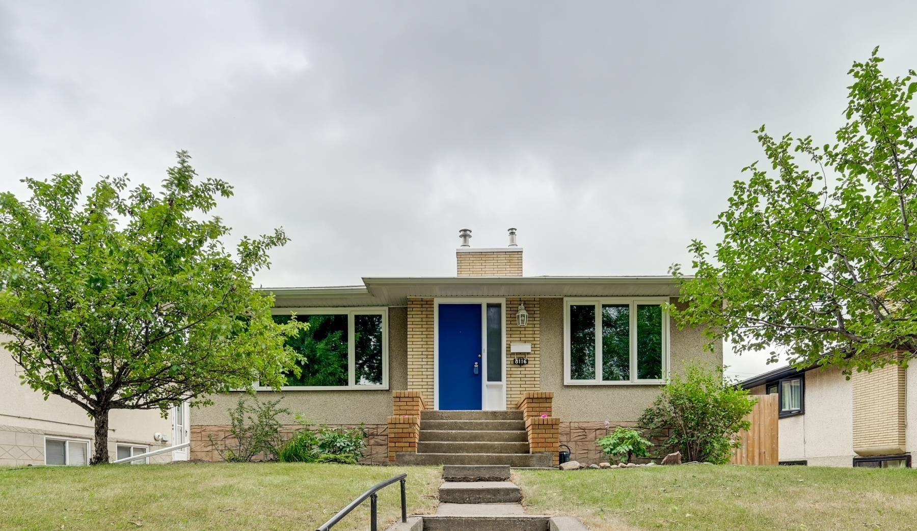 Main Photo: 8116 96 Avenue in Edmonton: Zone 18 House for sale : MLS®# E4253261