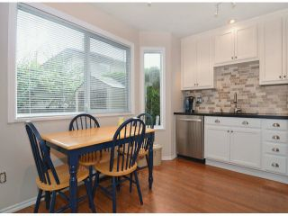 Photo 3: 116 9561 207th Street in Langley: Walnut Grove Townhouse for rent