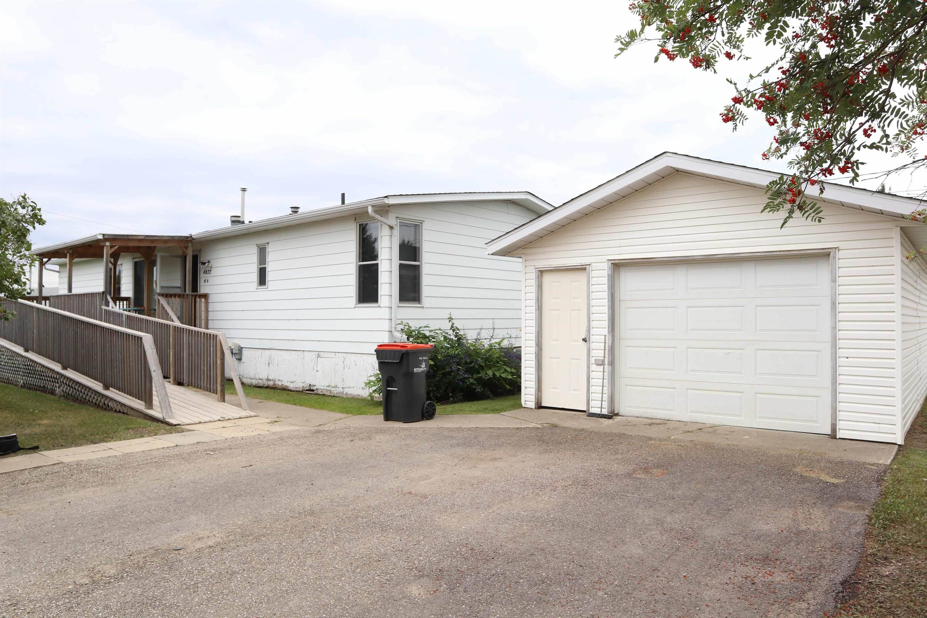 Main Photo: 4822 46 Street: Thorsby House for sale : MLS®# E4261081