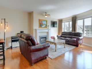 Photo 2: 518 50 Songhees Rd in : VW Songhees Condo for sale (Victoria West)  : MLS®# 885123