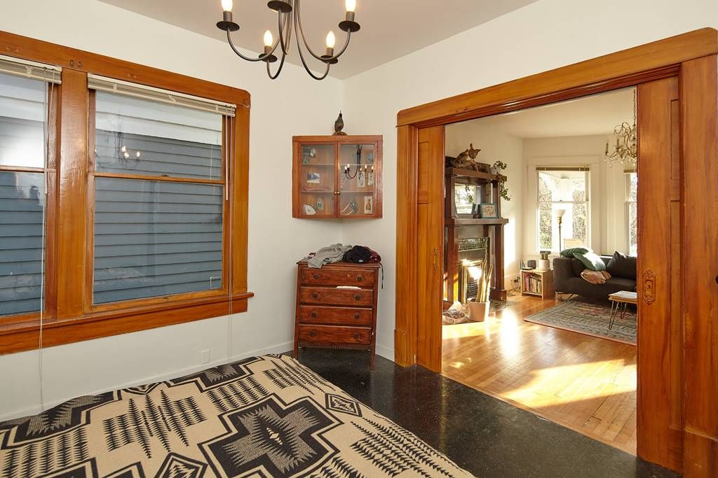Photo 12: Photos: 1943 NAPIER Street in Vancouver: Grandview Woodland House for sale (Vancouver East)  : MLS®# R2423548