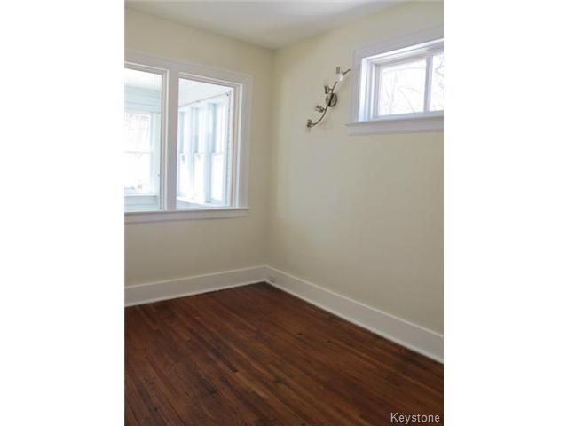 Photo 8: Photos:  in WINNIPEG: North End Residential for sale (North West Winnipeg)  : MLS®# 1404958