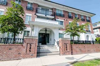"""Photo 3: 312 545 FOSTER Avenue in Coquitlam: Coquitlam West Condo for sale in """"FOSTER BY MOSAIC"""" : MLS®# R2401937"""
