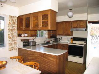 Photo 5: 5832 132 Street in Surrey: Panorama Ridge House for sale : MLS®# F1228434