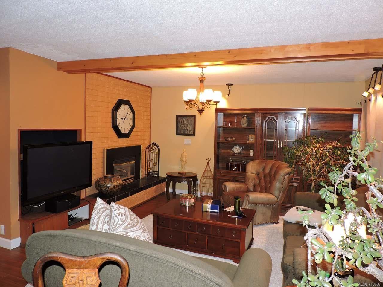 Photo 4: Photos: 935 Beach Dr in NANAIMO: Na Departure Bay House for sale (Nanaimo)  : MLS®# 719607