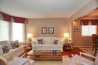 Photo 2: 147 Dawlish Avenue in Aurora: Aurora Highlands House (2-Storey) for sale : MLS®# N2661556
