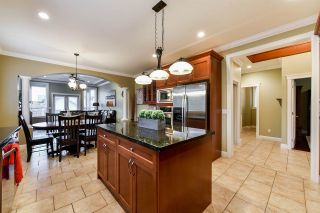 """Photo 4: 21137 83 Avenue in Langley: Willoughby Heights House for sale in """"YORKSON"""" : MLS®# R2318643"""