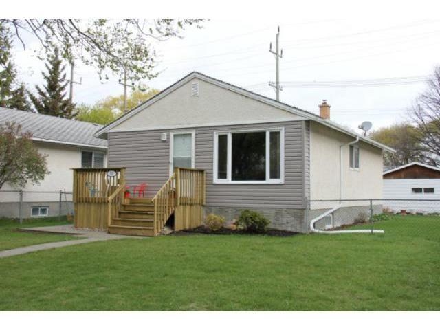 Main Photo: 565 Chelsea Avenue in WINNIPEG: East Kildonan Residential for sale (North East Winnipeg)  : MLS®# 1208964