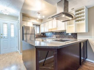 """Photo 4: 4368 GARDEN GROVE Drive in Burnaby: Greentree Village Townhouse for sale in """"GREENTREE VILLAGE"""" (Burnaby South)  : MLS®# R2439137"""