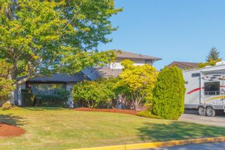 Main Photo: 1906 Mount Newton Cross Rd in : CS Saanichton House for sale (Central Saanich)  : MLS®# 855588