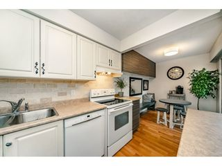 """Photo 9: 40 9101 FOREST GROVE Drive in Burnaby: Forest Hills BN Townhouse for sale in """"ROSSMOOR"""" (Burnaby North)  : MLS®# R2374547"""