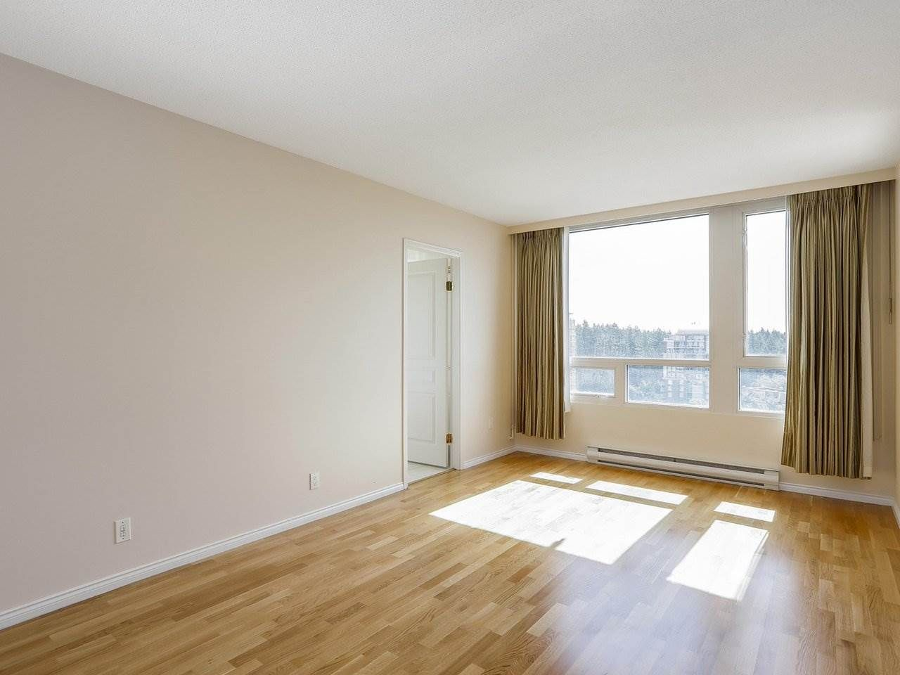 """Photo 8: Photos: 1704 5775 HAMPTON Place in Vancouver: University VW Condo for sale in """"CHATHAM"""" (Vancouver West)  : MLS®# R2196974"""
