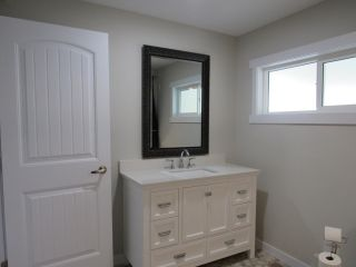 Photo 15: 950A 12TH AVENUE in Montrose: House for sale : MLS®# 2461481