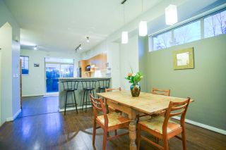 Photo 3: 20 301 KLAHANIE Drive in Port Moody: Port Moody Centre Townhouse for sale : MLS®# R2032725