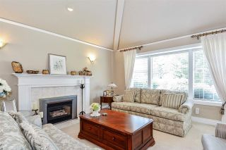 """Photo 3: 2276 130 Street in Surrey: Elgin Chantrell House for sale in """"HUNTINGTON PARK NORTH"""" (South Surrey White Rock)  : MLS®# R2410100"""