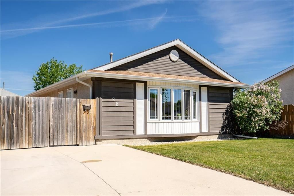 Welcome to 22 Poplynn Drive your new home!