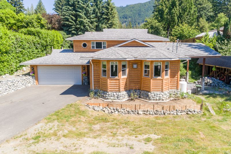 FEATURED LISTING: 19 Savoy Road Lake Cowichan
