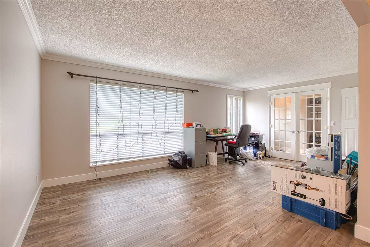 """Photo 9: Photos: 8137 WILTSHIRE BOULEVARD Boulevard in Delta: Nordel House for sale in """"Canterbury Heights"""" (N. Delta)  : MLS®# R2474823"""