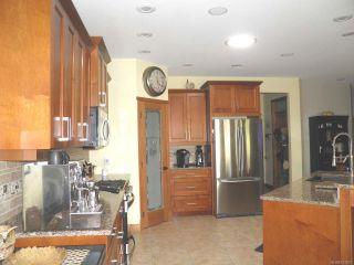 Photo 9: 388 Ensign St in COMOX: CV Comox (Town of) House for sale (Comox Valley)  : MLS®# 761837