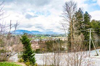 """Photo 4: 11 5797 PROMONTORY Road in Chilliwack: Promontory Townhouse for sale in """"Thorton Terrace"""" (Sardis)  : MLS®# R2554976"""