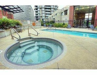 """Photo 9: # 702 - 11 E Royal Avenue in New Westminster: Fraser Heights Condo for sale in """"Victoria Hill"""" : MLS®# V837877"""