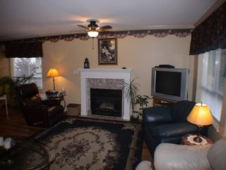 "Photo 8: 208 5450 208TH Street in Langley: Langley City Condo for sale in ""MONTGOMERY GATE"" : MLS®# F1022244"
