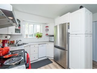 """Photo 11: 6036 W GREENSIDE Drive in Surrey: Cloverdale BC Townhouse for sale in """"Greenside Estates"""" (Cloverdale)  : MLS®# R2588441"""