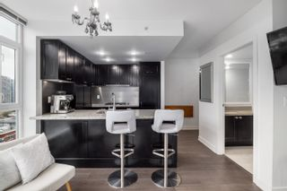 """Photo 4: 1302 1133 HOMER Street in Vancouver: Yaletown Condo for sale in """"H&H"""" (Vancouver West)  : MLS®# R2618125"""
