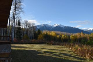 Photo 4: 3560 HOBENSHIELD Road: Kitwanga House for sale (Smithers And Area (Zone 54))  : MLS®# R2620973