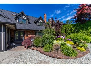"""Photo 2: 7923 MEADOWOOD Drive in Burnaby: Forest Hills BN House for sale in """"FOREST HILLS"""" (Burnaby North)  : MLS®# R2070566"""