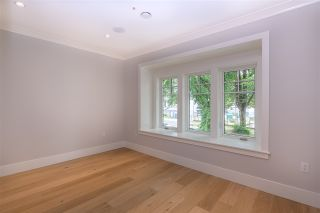 Photo 10: 342 E 23RD Avenue in Vancouver: Main House for sale (Vancouver East)  : MLS®# R2390066