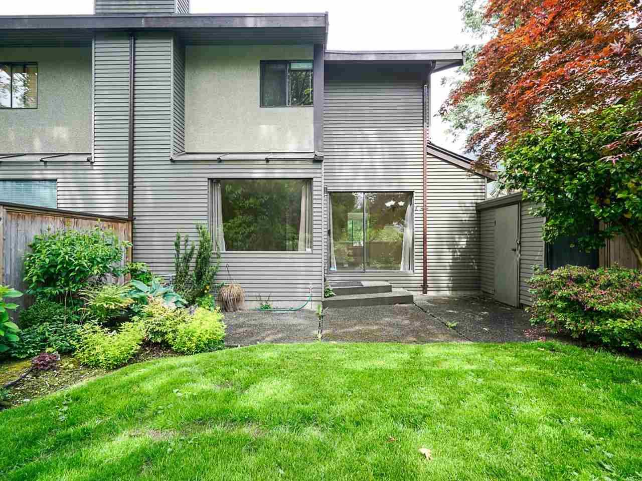 """Photo 32: Photos: 4713 GLENWOOD Avenue in North Vancouver: Canyon Heights NV Townhouse for sale in """"Montroyal Village"""" : MLS®# R2464484"""