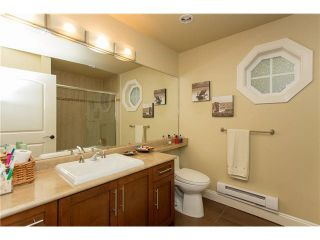 """Photo 11: 1 1486 EVERALL Street: White Rock Townhouse for sale in """"EVERALL POINTE"""" (South Surrey White Rock)  : MLS®# F1450870"""