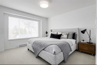 Photo 2: Unit 11 8168 136A Street in Surrey: Bear Creek Green Timbers Townhouse for sale : MLS®# R2370309
