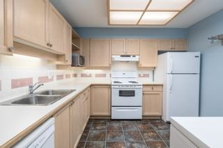 """Photo 3: 415 6735 STATION HILL Court in Burnaby: South Slope Condo for sale in """"COURTYARDS"""" (Burnaby South)  : MLS®# R2450864"""