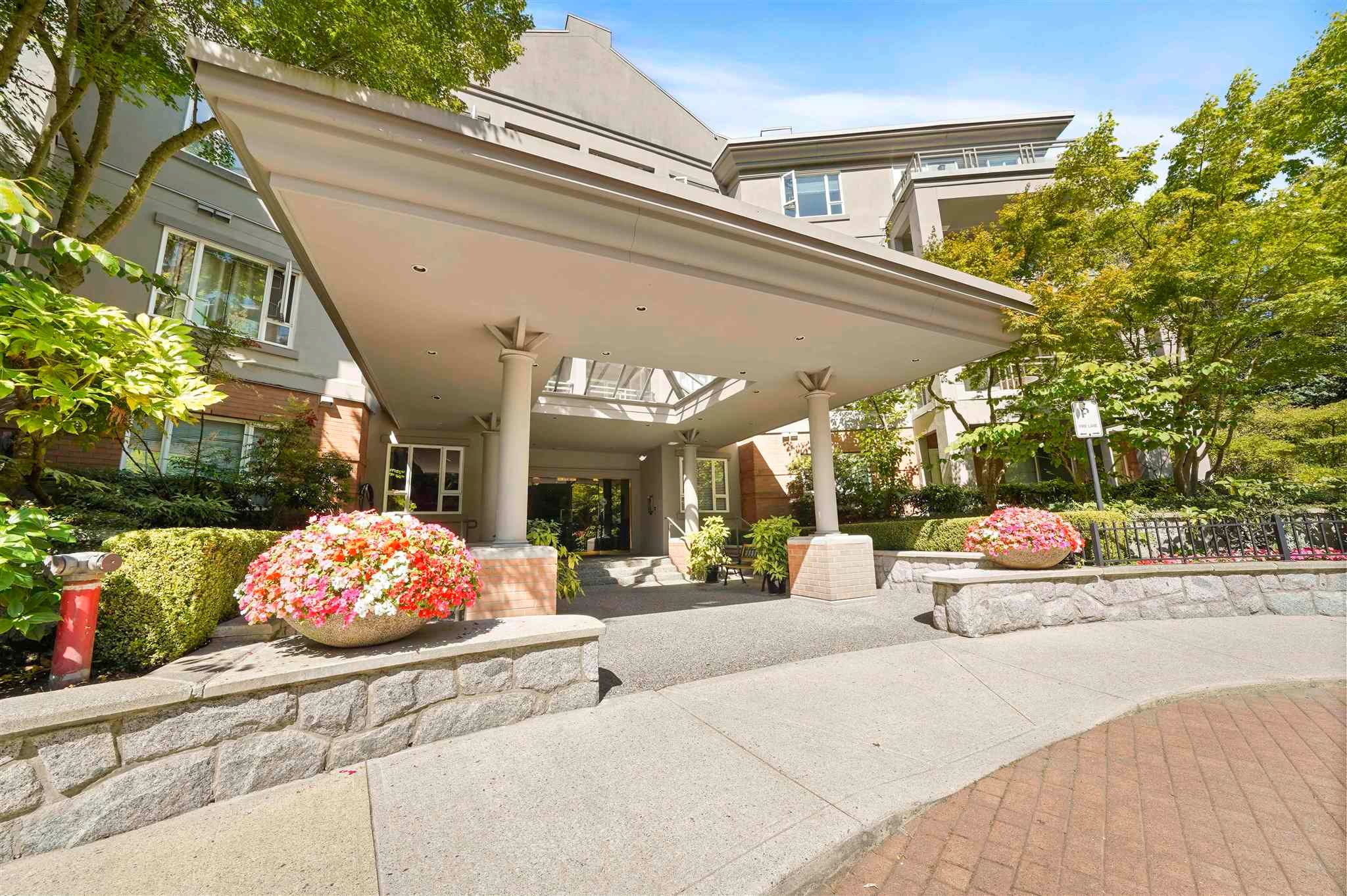 """Main Photo: 412 5683 HAMPTON Place in Vancouver: University VW Condo for sale in """"Wyndham Hall"""" (Vancouver West)  : MLS®# R2605599"""