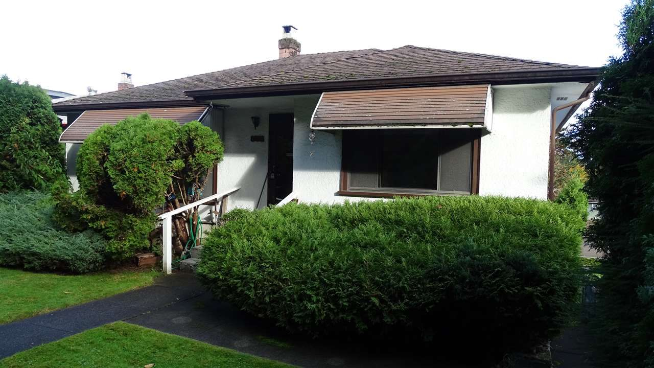 Main Photo: 2171 VANNESS Avenue in Vancouver: Grandview Woodland House for sale (Vancouver East)  : MLS®# R2518312