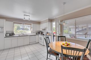 "Photo 13: 942 GARROW Drive in Port Moody: Glenayre House for sale in ""Glenayre"" : MLS®# R2283239"