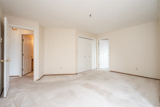 """Photo 13: 310 5710 201 Street in Langley: Langley City Condo for sale in """"White Oaks"""" : MLS®# R2453667"""