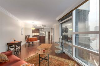 """Photo 6: 2007 1050 BURRARD Street in Vancouver: Downtown VW Condo for sale in """"Wall Centre"""" (Vancouver West)  : MLS®# R2324699"""