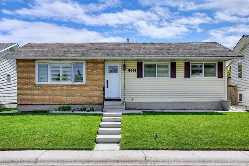 Main Photo: 5919 Pinepoint Drive NE in Calgary: Pineridge Detached for sale : MLS®# A1111211