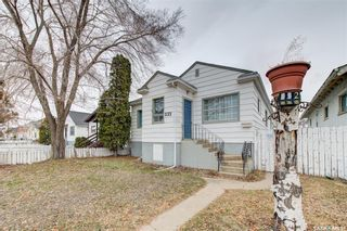 Photo 2: 332 H Avenue South in Saskatoon: Riversdale Residential for sale : MLS®# SK849967