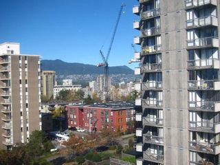 """Photo 2: 905 1250 BURNABY Street in Vancouver: West End VW Condo for sale in """"The Horizon"""" (Vancouver West)  : MLS®# R2424794"""