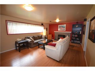 """Photo 9: 816 BAKER Drive in Coquitlam: Chineside House for sale in """"CHINESIDE"""" : MLS®# V994610"""