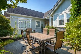Photo 3: 875 View Ave in : CV Courtenay East House for sale (Comox Valley)  : MLS®# 884275