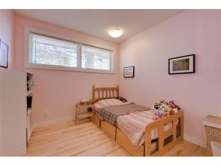 Photo 18: 5719 LODGE Crescent SW in Calgary: Lakeview House for sale : MLS®# C4076054
