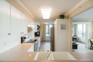 "Photo 12: 1303 6611 SOUTHOAKS Crescent in Burnaby: Highgate Condo for sale in ""Gemini 1"" (Burnaby South)  : MLS®# R2523037"