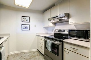 """Photo 5: 702 15111 RUSSELL Avenue: White Rock Condo for sale in """"PACIFIC TERRAC"""" (South Surrey White Rock)  : MLS®# R2057182"""
