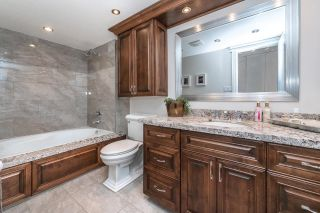"""Photo 21: 701 1235 QUAYSIDE Drive in New Westminster: Quay Condo for sale in """"RIVIERA TOWER"""" : MLS®# R2611498"""